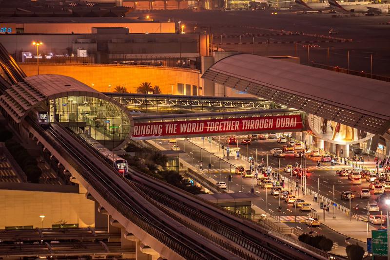 Emirates Airline airplane British Airways crash collision hit Dubai International Airport