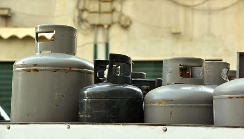 Al Qusais restaurant blast explosion restaurant gas leak damage cars shops Dubai Police