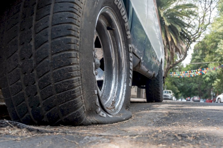 Motorist killed in al dhaidh road sharjah crash death truck driver accident tyre bust