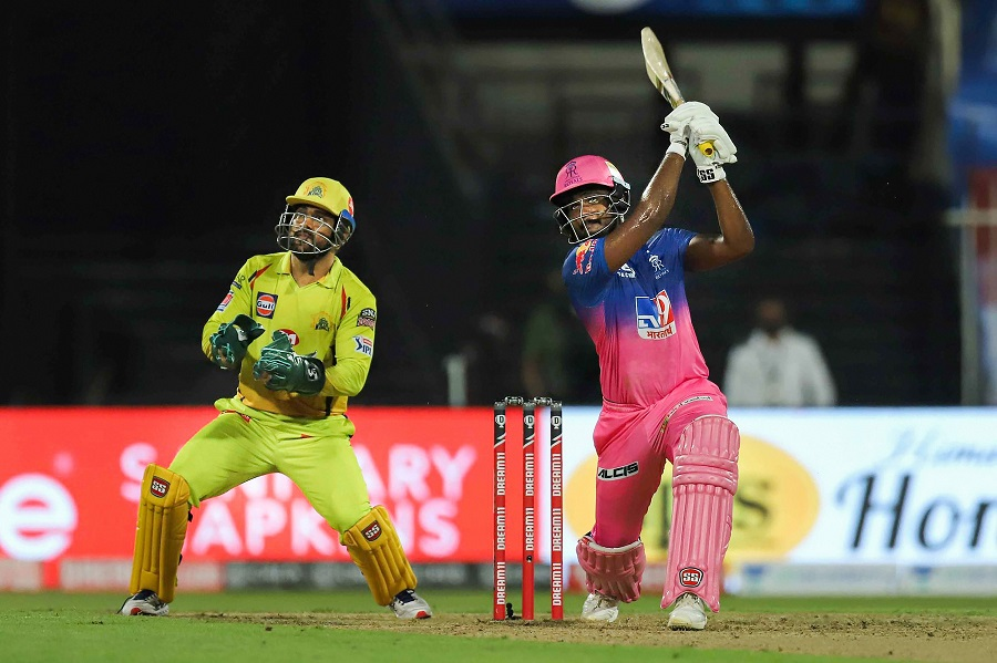 MS Dhoni hits three sixes in sharjah versus rajasthan royals chennai super kings ipl indian premier league cricket 2020