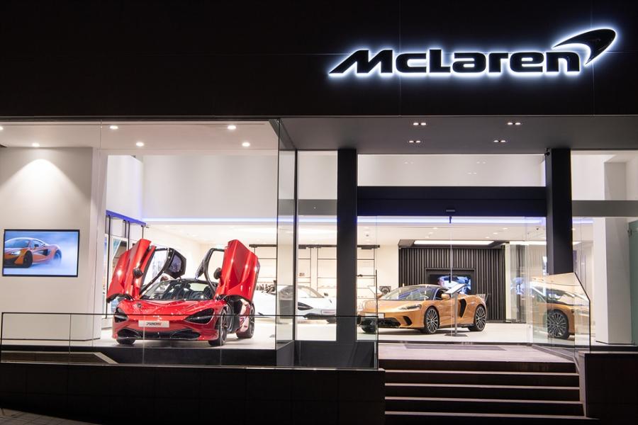 McLaren Dubai debut new cars elva 765lt